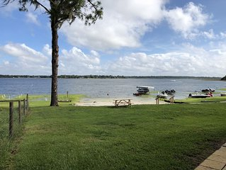 Snow Bird Haven on Beautiful Lake Weir Close to the Villages