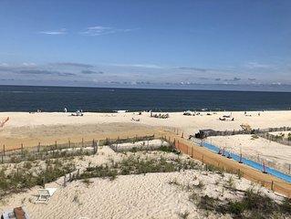Oceanfront 8 bedroom - great views! Tons of space!