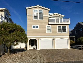 4 Bed, 3 Bath Oceanside Home,  Incredible Outdoor Kitchen & Entertainment Area