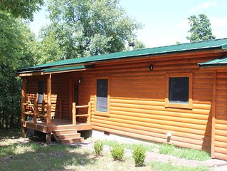 Wilson Lodge - modern log cabin near Greers Ferry Lake and the Little Red River