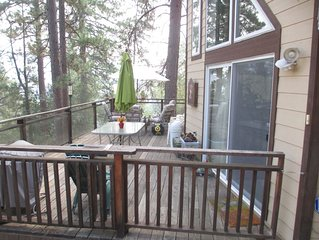 Relax in our Cabin Nestled in the Pines, close to Yosemite National Park