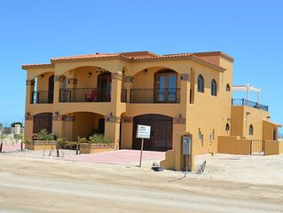 Beautiful Home on the Golf Course  Sleeps 12 Casa Happy Lizzard With WIFI