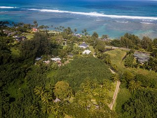 Charming Two Bedroom House Steps From Anini Beach