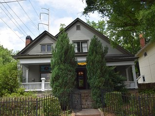 1905 Bungalow in the heart of Grant Park