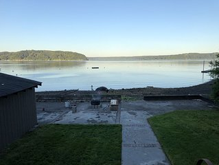 Cozy Cottage on Hood Canal with Mt Ranier View