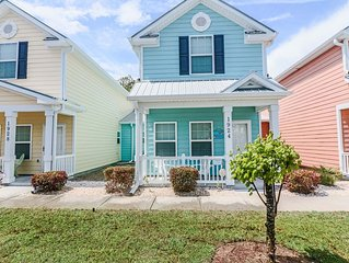 Gulf Stream 1924; Walk to the Beach, 3 bed, 2.5 bath