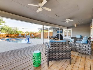 Clean Relaxing Retreat: Solar Heated Pool.  Gameroom! Access to SA Attractions