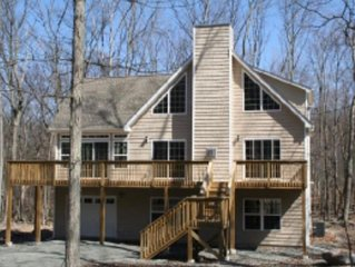 Beautiful Four Seasons Mastope Mountain Community Rental Home- Poconos
