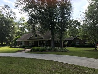 5 BR Clean and Comfortable Ranch Style Home