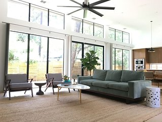 Bright & Spacious Contemporary Home in Zilker