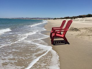 Beach Front Getaway on Sandy Beach with Wi-Fi
