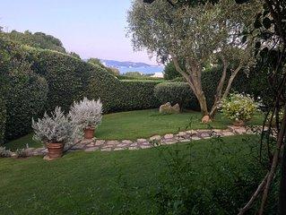 Pristine, family-friendly, gardens, terrace, walk to beach/piazzetta