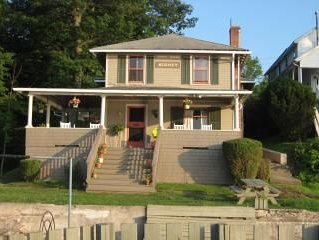 Prime Lake House- East Side facing Bluff- Great Family Getaway- five bedrooms,