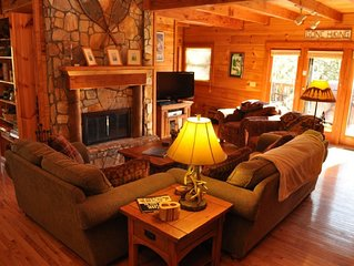 Relaxing, Cozy, Beautiful 3 BR Log Cabin in Blowing Rock/Boone NC