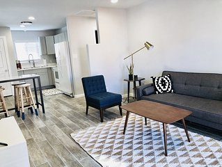 Gorgeous Modern Casita in the Heart of Nob Hill!  Accepting 30-120 day stays!
