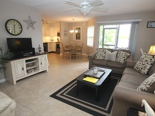 Lovely Siesta Key condo only a few steps away from private beach and shopping