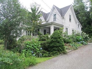 Bayview Street - Comfortable Summer Getaway or Winter Retreat - Family Friendly