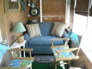 Quaint  & Cozy Maiden Voyage By The Sea , Steps from the ocean!!