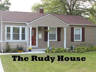 GREAT LOCATION: The Rudy House - Walk to Notre Dame! (1-Mile from Campus)
