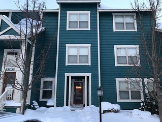 7 Springs Luxury Condo - Ski in, Hot Tub, 3 Bedroom, 3 Bath, Modern