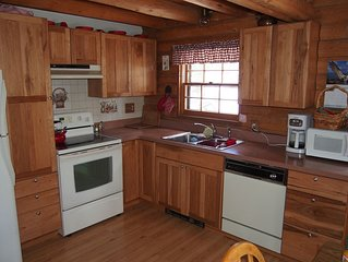 Alice's Acres- cozy log home in the woods, close to Nederland and Black Hawk