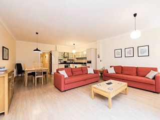 Bright 2BD with large terrace near Temple Bar