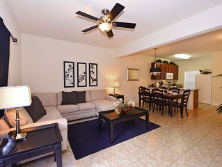 Beautiful 3 Bed Pool Town Home At Bella Vida Resort
