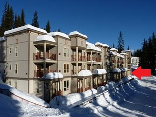 Ski in, Ski out from the front door. Discounted mid-week rate for Mon-Fri stays