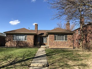 Comfortable two bedroom, one story condo in Grandview area