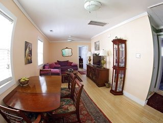 Charming and cozy downtown 3BD House, plus parking
