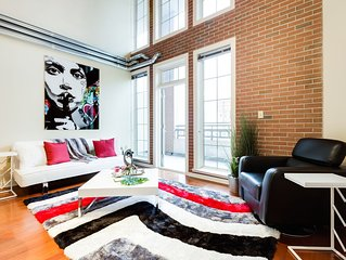 Radiant Two Story Loft: Steps From Atl Station