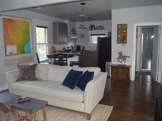NEWLY LISTED! Carriage Apartment near Downtown, Pearl Brewery & Riverwalk