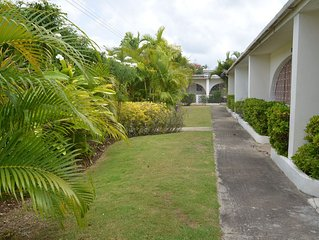 Lovely Apartment Ideally Located Close to Platinum Beaches and High-End Shopping