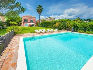 Private pool, football field, Prestigious Sicilian villa