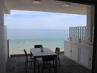 Terrazza sul mare a pochi passi dal centro storico:'Acqua di Mare' luxury living