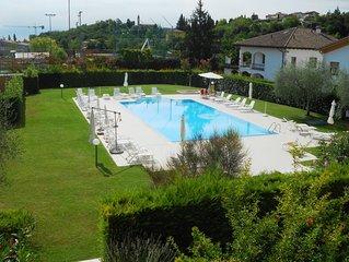 A Costermano sul Garda appartamento bilocale in residence con piscina.