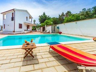 Private pool, beach 1500 meters away
