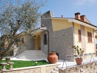 'Virgi House'. Modern design villa in Siena