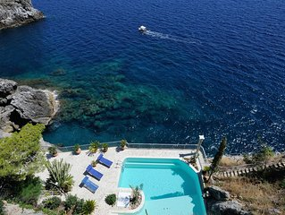Villa Azzurra with private pool and access to the sea