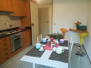 Appartamento in casa indipendente a 200 mt dal mare, con ampio giardino e park