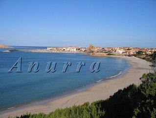 Sardegna-Isola Rossa3: a 30 m dalla spiaggia