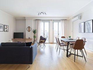 Stylish and Spacious 2BD Apartment in Thiseio