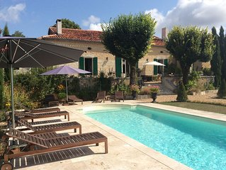Charming country House Private pool, spa, gym, large private garden.