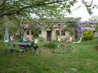Gorges de l'Aveyron:  Vaste maison  quercynoise de caractere