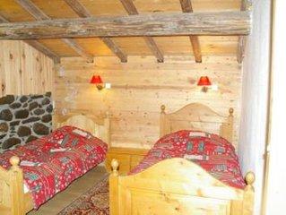 Chalet d'alpage bord piste 4 chambres cheminée