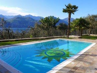 Appartamento 'Sole' - Elegante appartamento con piscina e vista lago