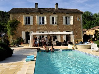 Fabulous Manoir in country location, sleeps 12, heated private pool, free WiFi