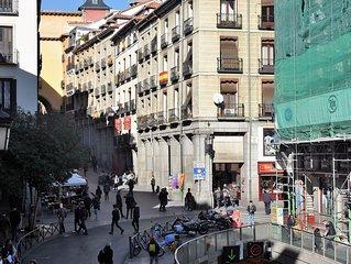 Madrid de los Austrias, al lado de la Plaza Mayor, aire acondicionado, wifi.