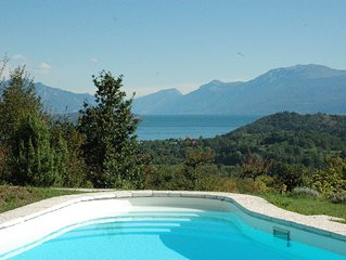 Private Apartment In Villa With Pool, pet friendly, over looking Lake Garda