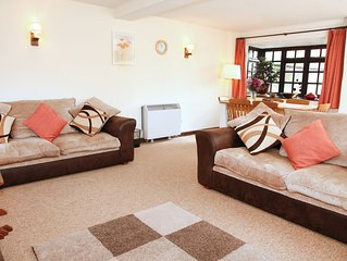 PEBBLE RIDGE is a Three Bedroom Cottage set in the north Devon Country side